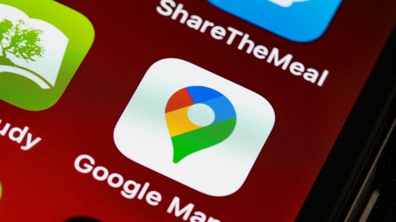 Cómo mandar ubicación desde google maps o directo desde whatsapp